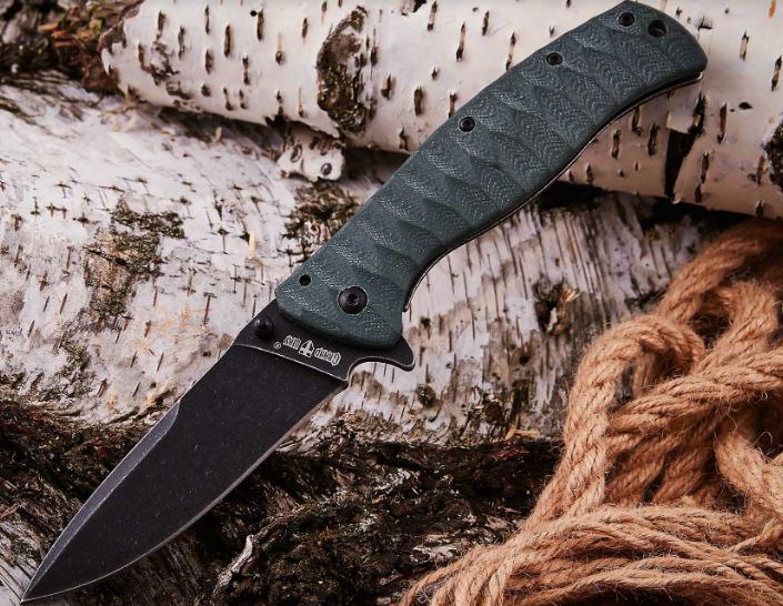 Нож складной, покрытие black stonewash, сверху на клинке имеется фальшьлезвие, с клипсой и отверстием