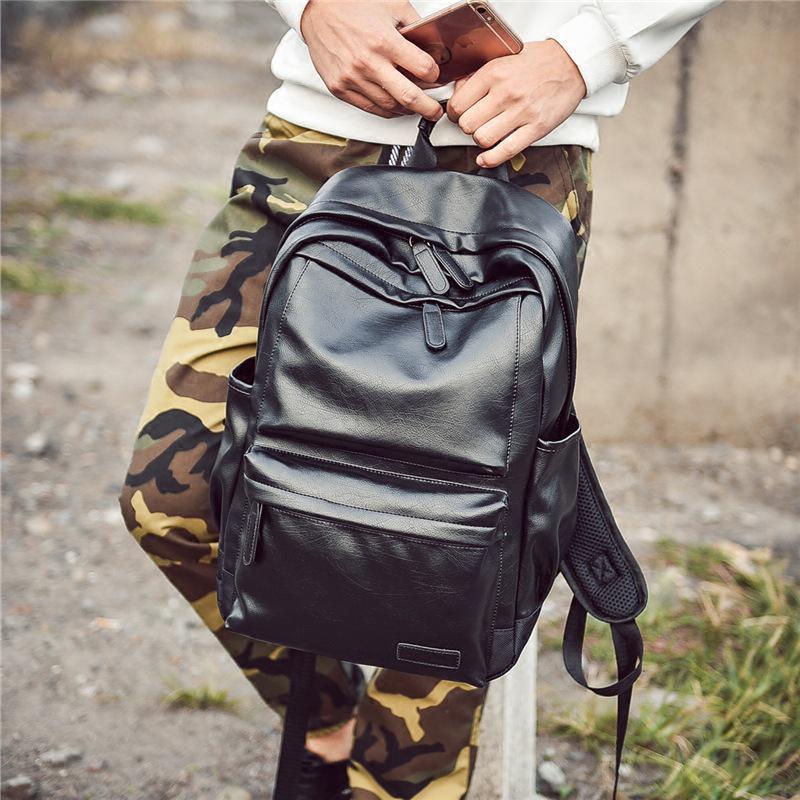 Стильный вместительный рюкзак