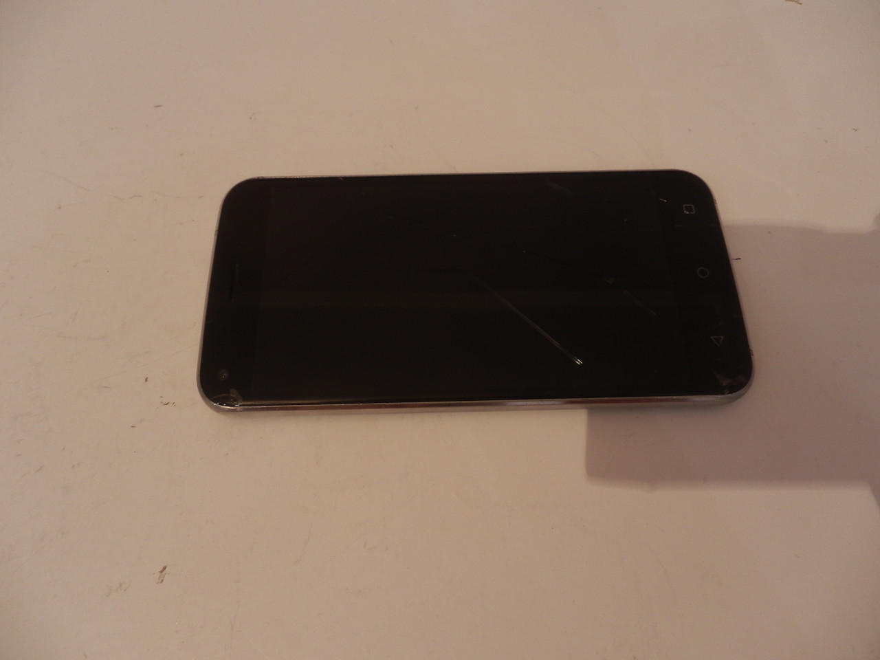 Мобильный телефон Bravis A506 №6990