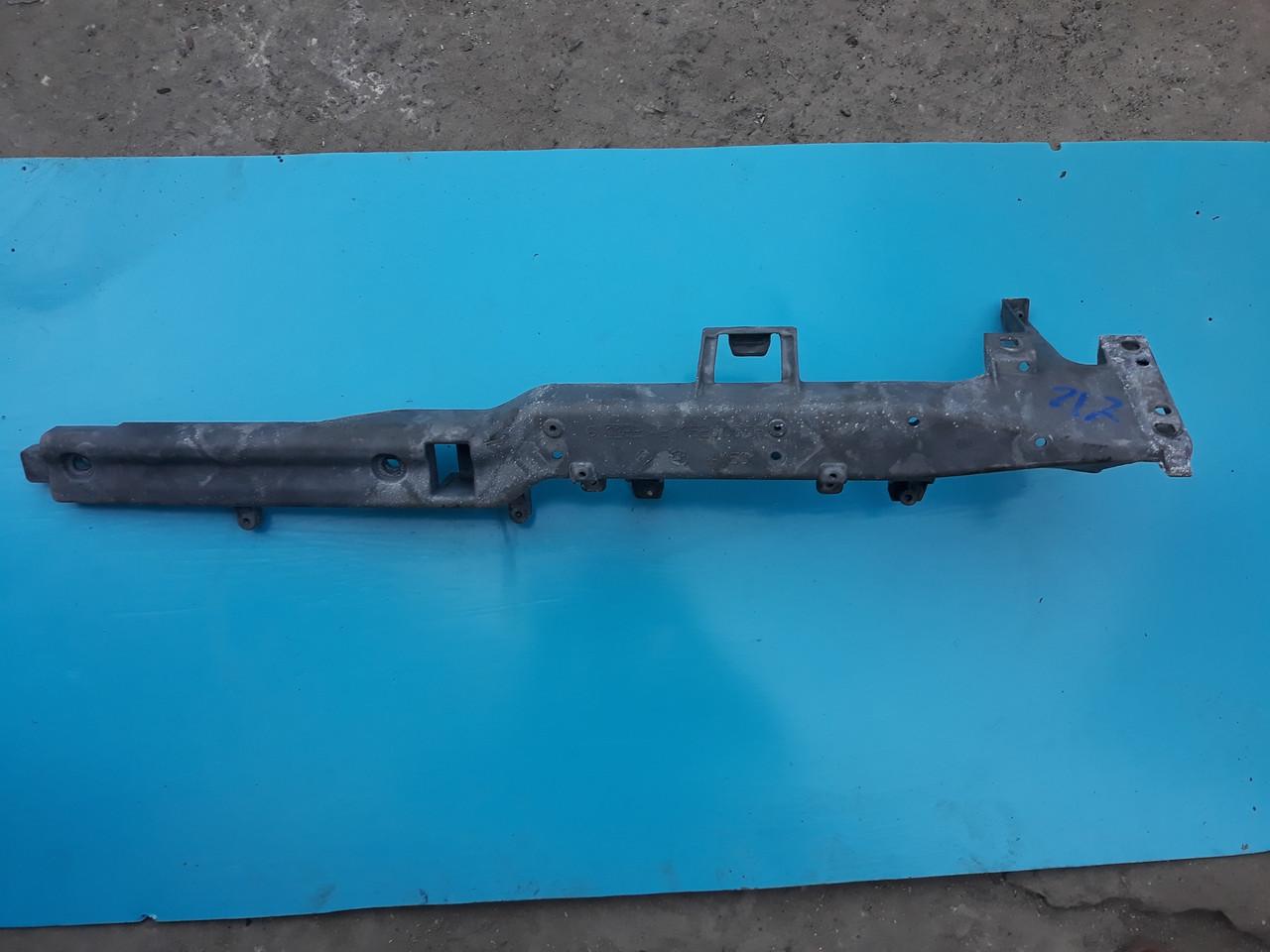 Усилитель кронштейн торпедо панели приборов Mercedes W211 A2116200686 2116200686