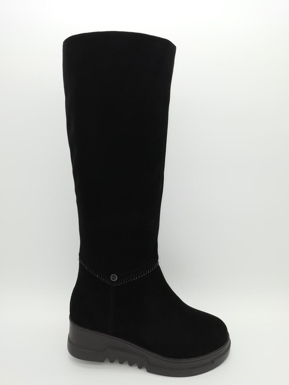 Черные замшевые зимние сапоги на танкетке. Маленькие размеры (33-35).