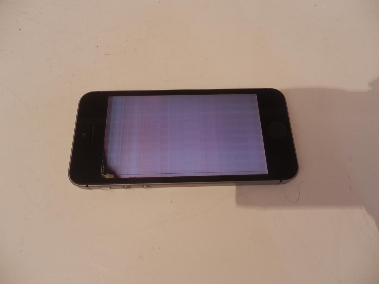 Мобильный телефон Apple iphone SE №7023