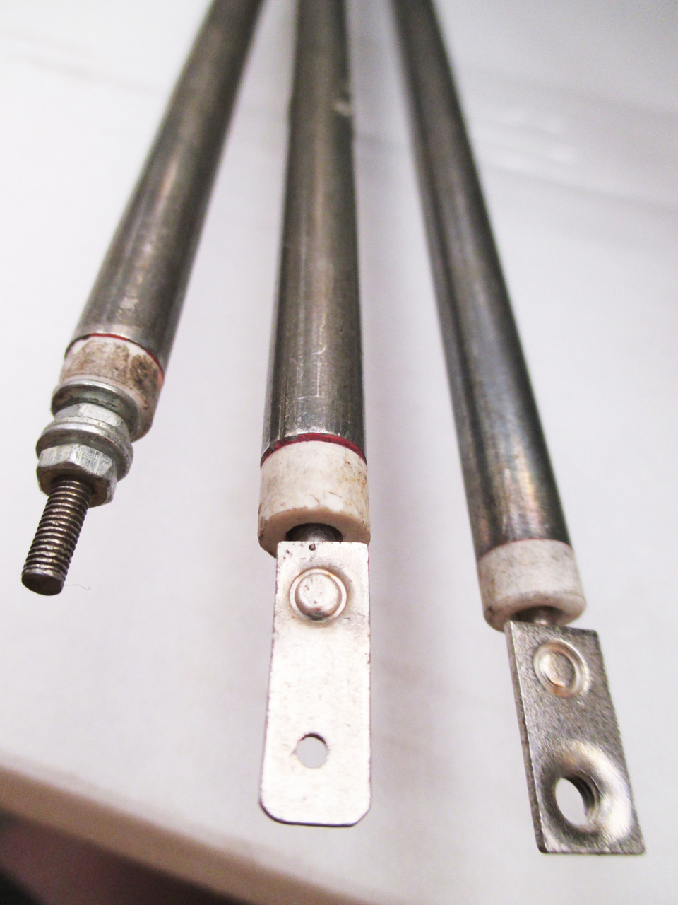 Гибкий  нержавеющий тен (Ф-8,5мм) длинна-1,6 м\2,5 квт\220 в с заделкой 220 мм