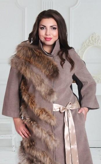 Пальто со вставками натурального меха енота №165 Домино-бежевый