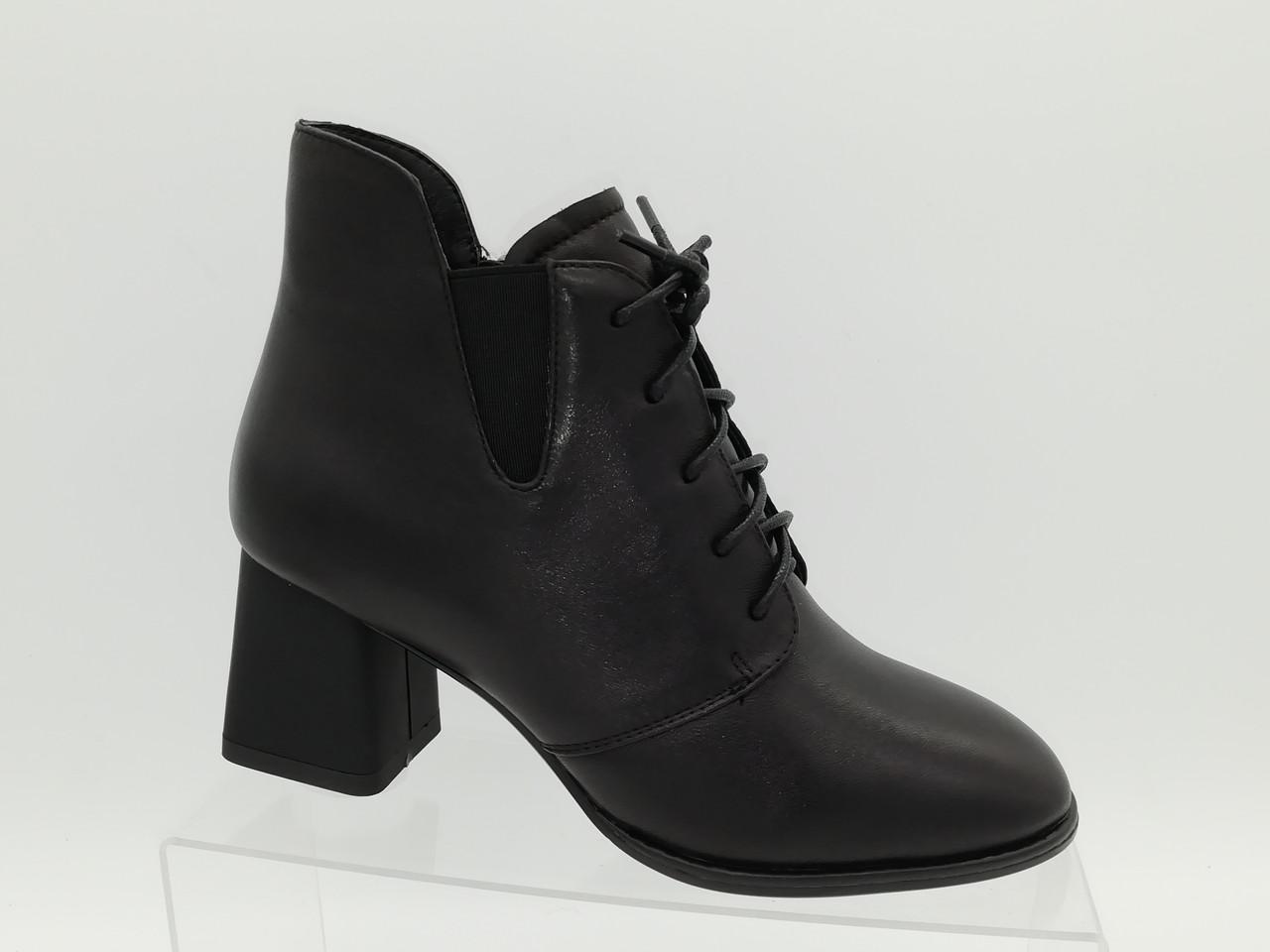 Черные кожаные ботиночки на каблуке. Ботильоны. Маленькие размеры (33 - 35).