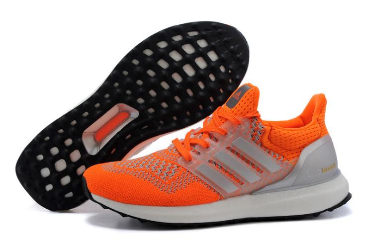 Кроссовки женские Adidas Ultra Boost / ADW-240