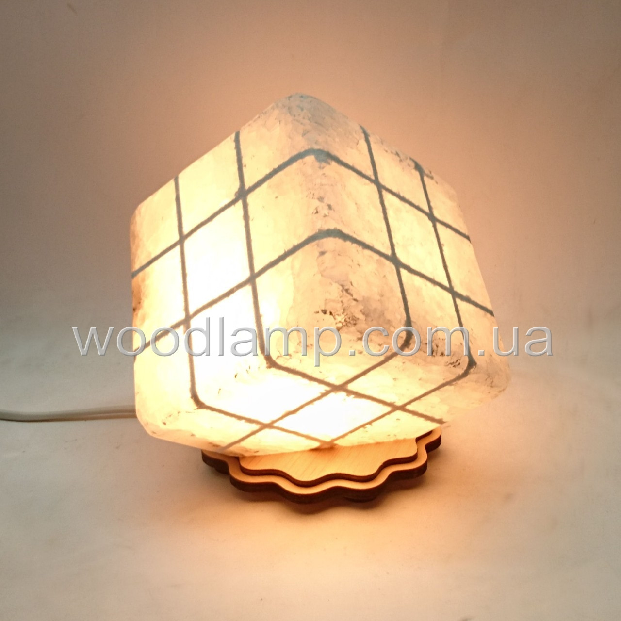 Соляной светильник Куб резн