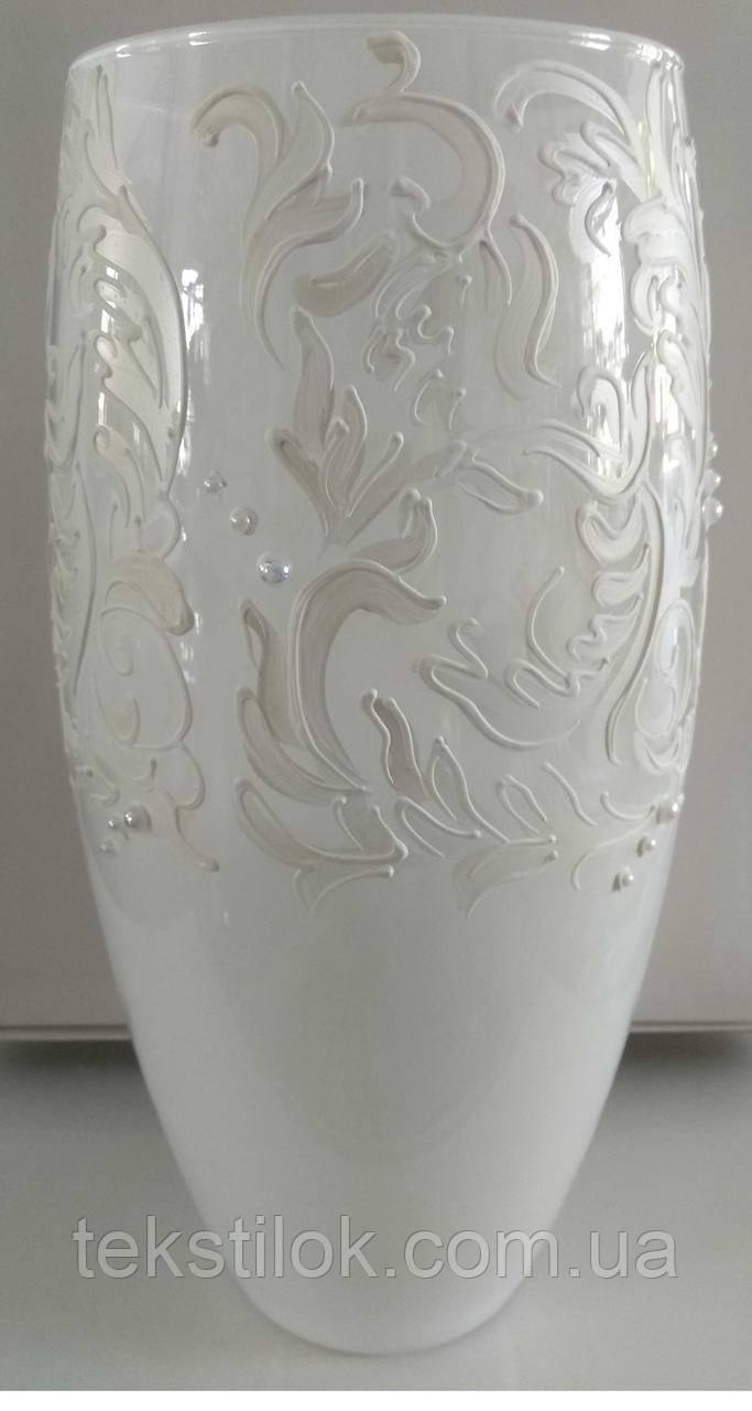 Ваза белая с декором 30,5 см. - стекло
