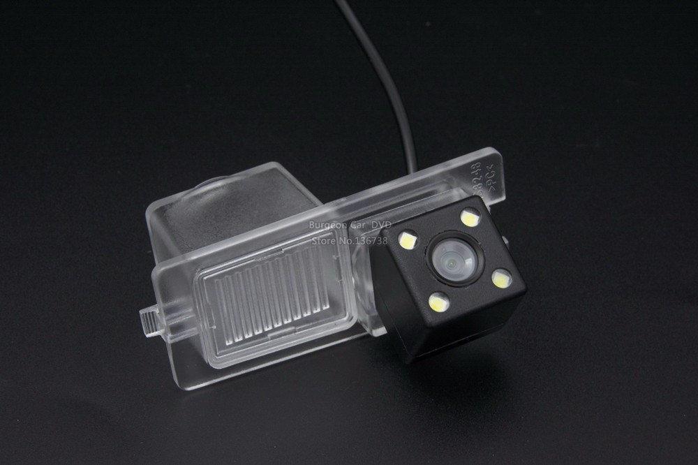 Камера заднего вида универсальная прозразная Ssang yong Rexton Kyron цветная матрица CCD