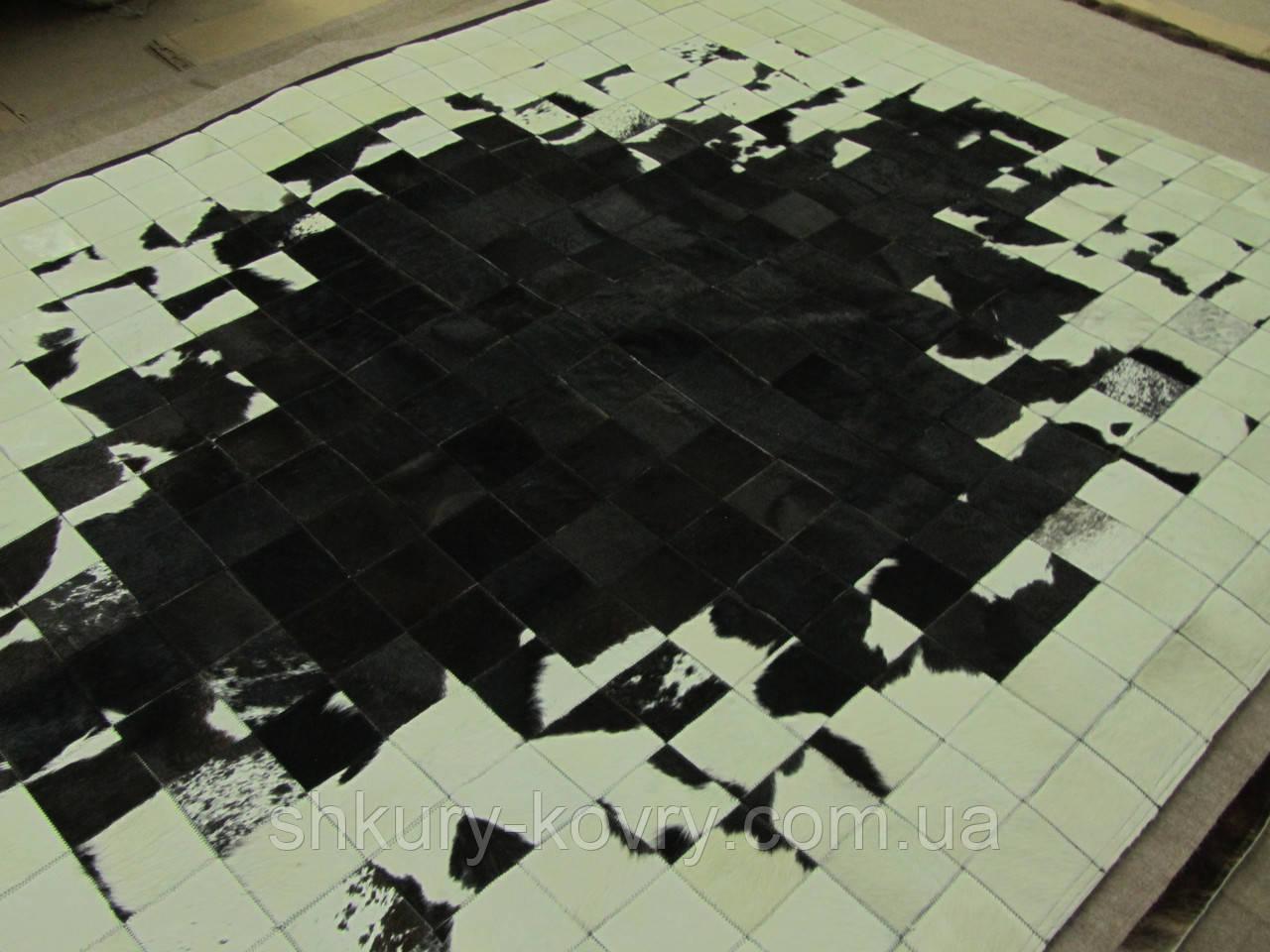 Необычный ковер черно белый из шкуры коровы