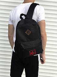 Спортиный черный рюкзак с гербом