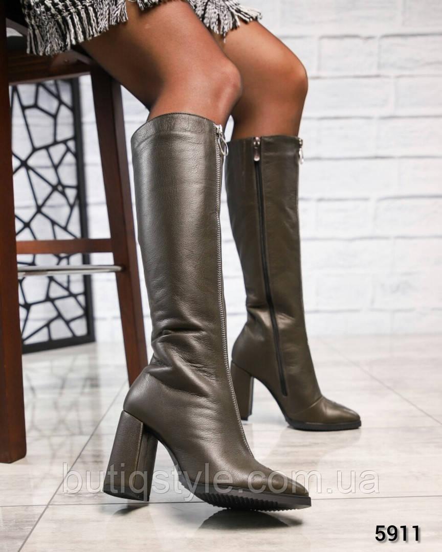 Женские сапоги олива с молнией на каблуке натур.кожа Деми