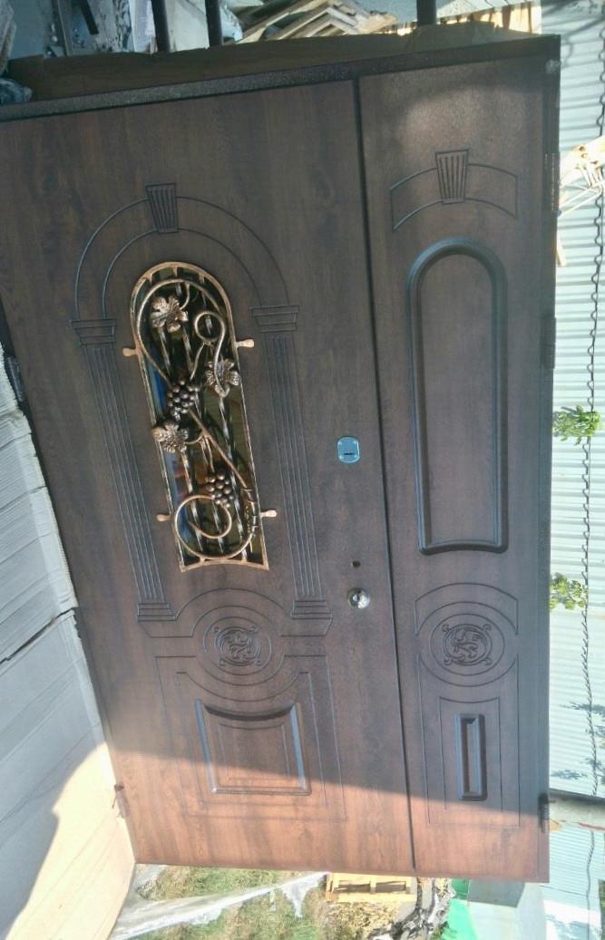 Широкие двери входные с виноградом Елит_2111