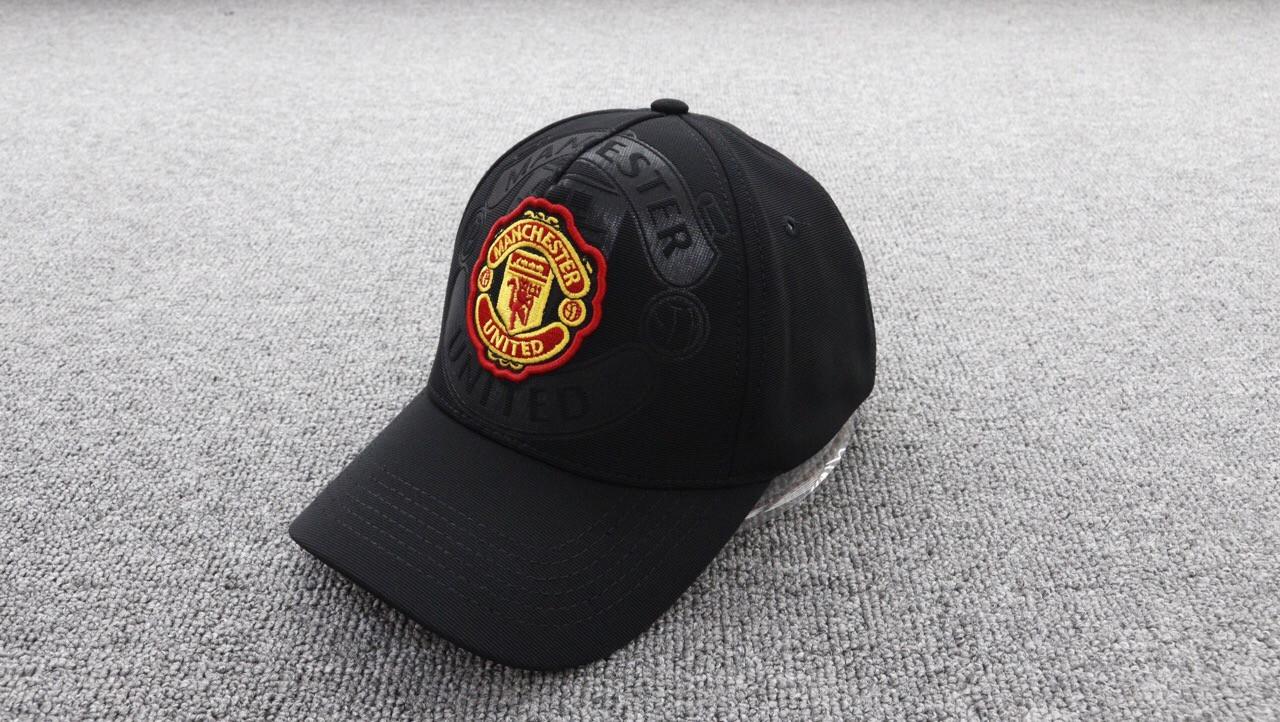 Кепка Манчестер Юнайтед черная, бейсболка Manchester United новый сезон 19/20