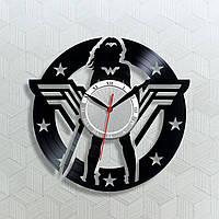 Удивительная Женщина Часы супергероя Wonder Woman Виниловые часы Кварцовый механизм Черные часы с стрелками