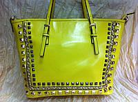 Жёлтая  сумка с шипами