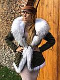 Серая куртка парка с натуральным мехом чернобурки на капюшоне, фото 9