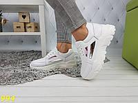 Кроссовки на массивной подошве белые с зеркальными вставками