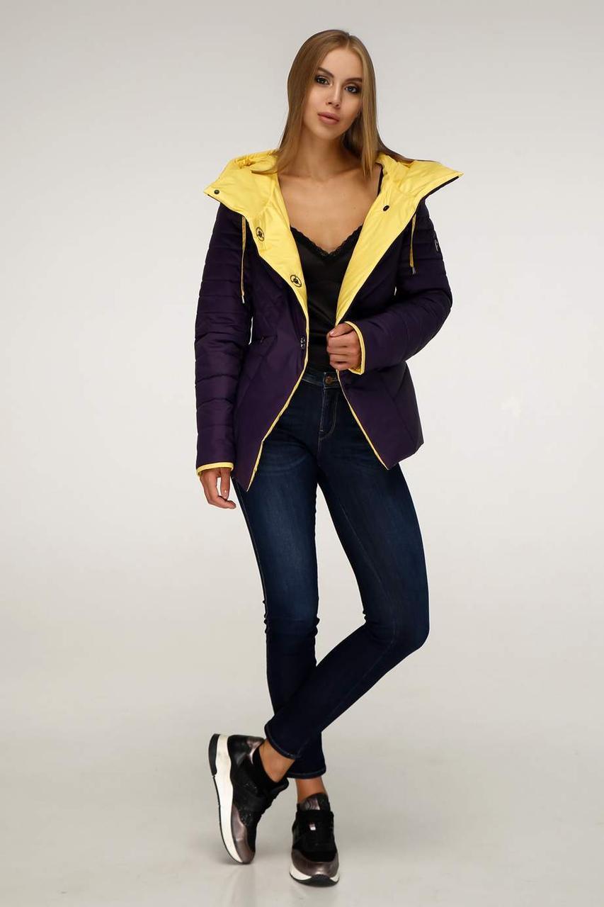Демісезонна модна курточка з плащовки лаке