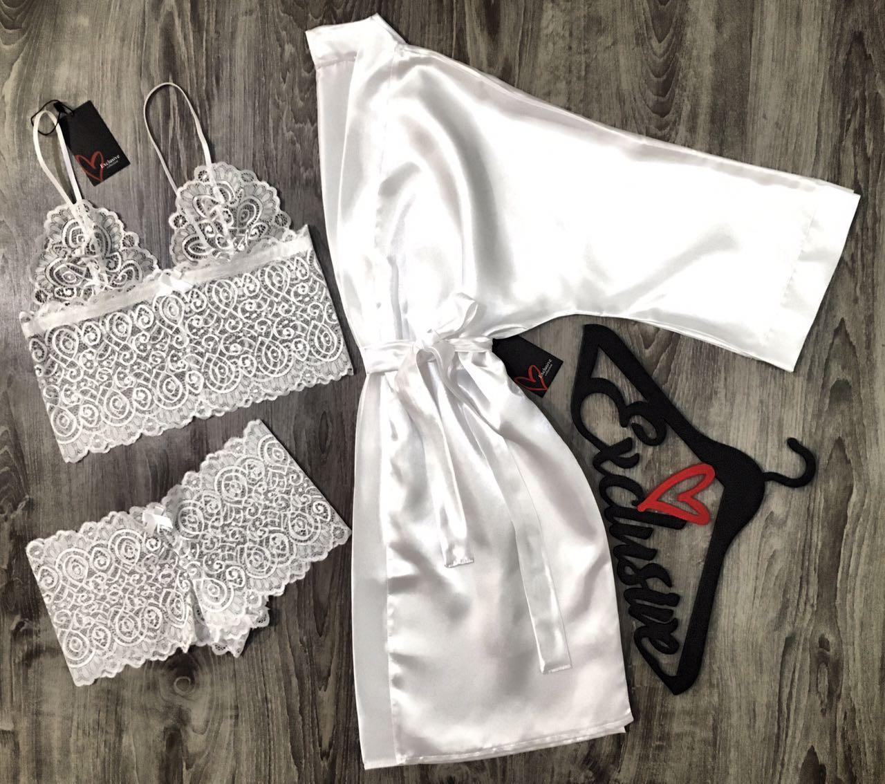 Белый кружевной комплект белья+атласный халат-набор одежды.