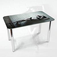 Виниловая наклейка на стол Девушка и кирпичная стена ламинированная двойная пленка, 600*1200 мм, люди, серый