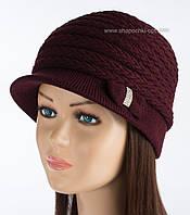 Женская вязаная кепка Марго бордового цвета