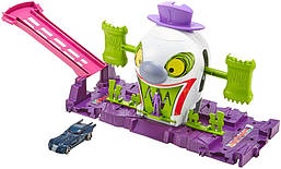 Трек Хот Вилс Веселый дом Джокера Hot Wheels DC The Joker Playset GBW51