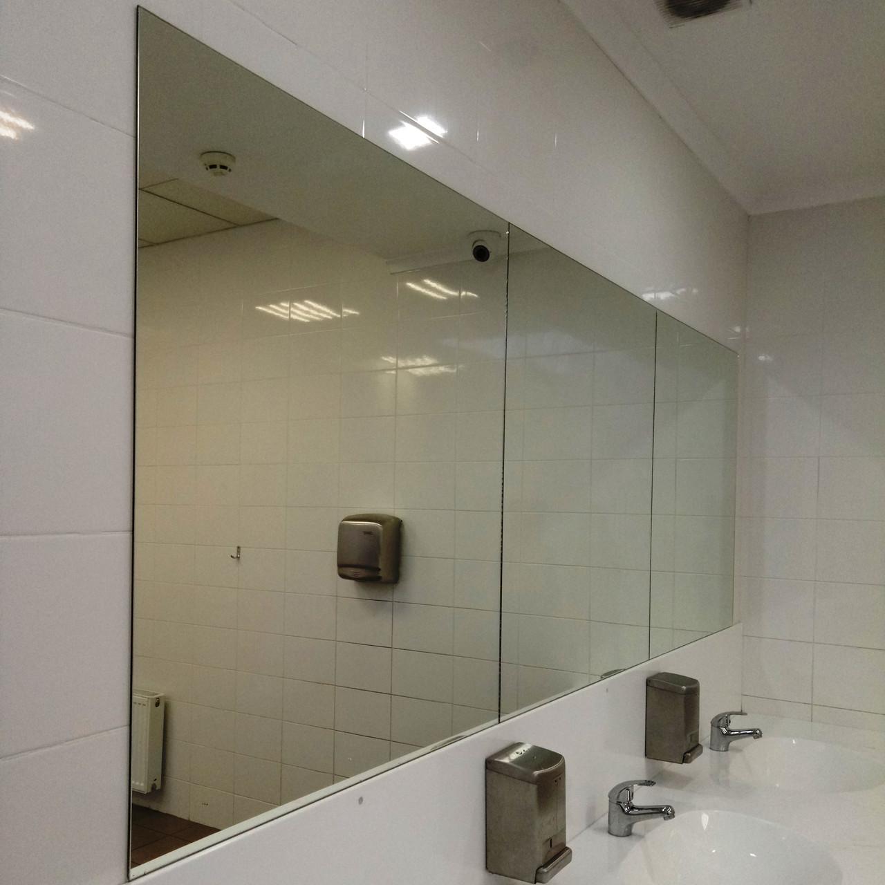 Зеркало без рамы