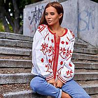 Женская рубашка вышиванка с узорами белая с красным