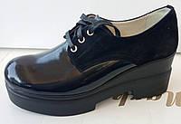 Туфли женские на удобной платформе из натуральной кожи черного цвета от производителя модель ДИС352