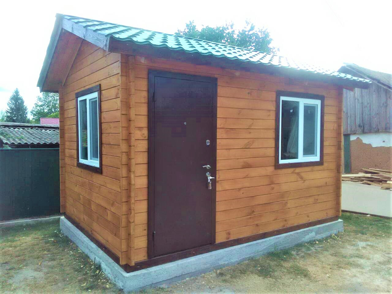 Дом деревянный  3х4 м из профилированного бруса. Кредитование строительства деревянных домов