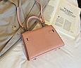 Сумка в стиле Эрмес Келли 20см / фурнитура серебро фактура крокодил / PU-кожа Розовый, фото 2