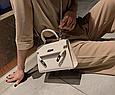 Сумка в стиле Эрмес Келли 20см / фурнитура серебро фактура крокодил / PU-кожа Бежевый, фото 8