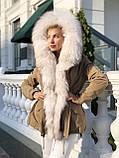 Бежевая куртка парка с натуральным мехом белой арктической лисы на капюшоне, фото 3