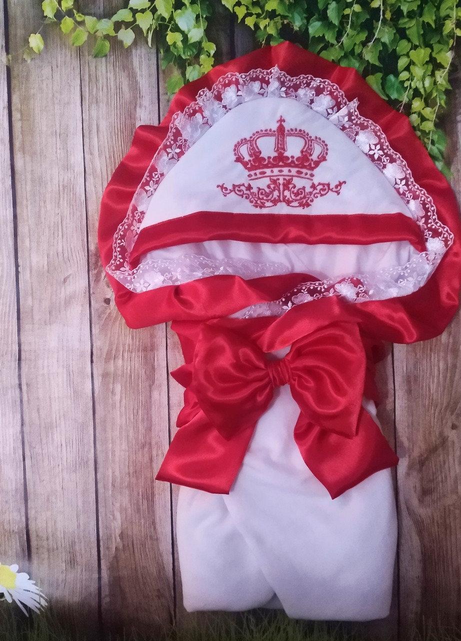 Велюровый конверт на выписку с итальянским кружевом, вышивкой и рюшами Корона для девочек