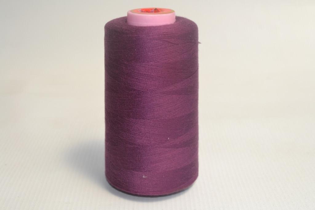 Швейные нитки разных цветов 1023