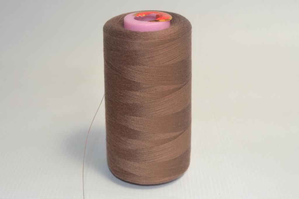 Швейные нитки разных цветов 1045