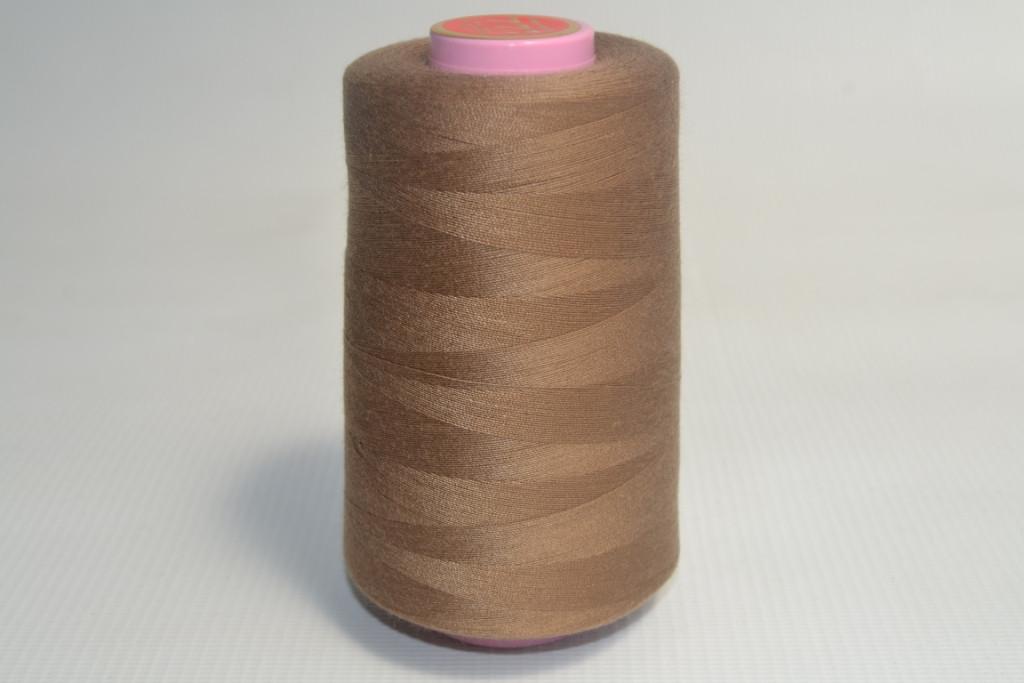 Швейные нитки разных цветов 1050