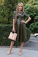 Деловое  платье миди юбка с декоративными пуговицами рукав три четверти цвет хаки