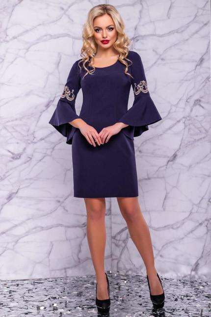 Платье до колен с круглым вырезом рукав три четверти с воланами цвет темно-синий