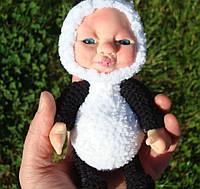 Ребёнок в костюме панды