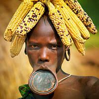 Необычные украшения племени Мурси
