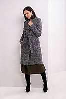 Черное пальто на пуговицах