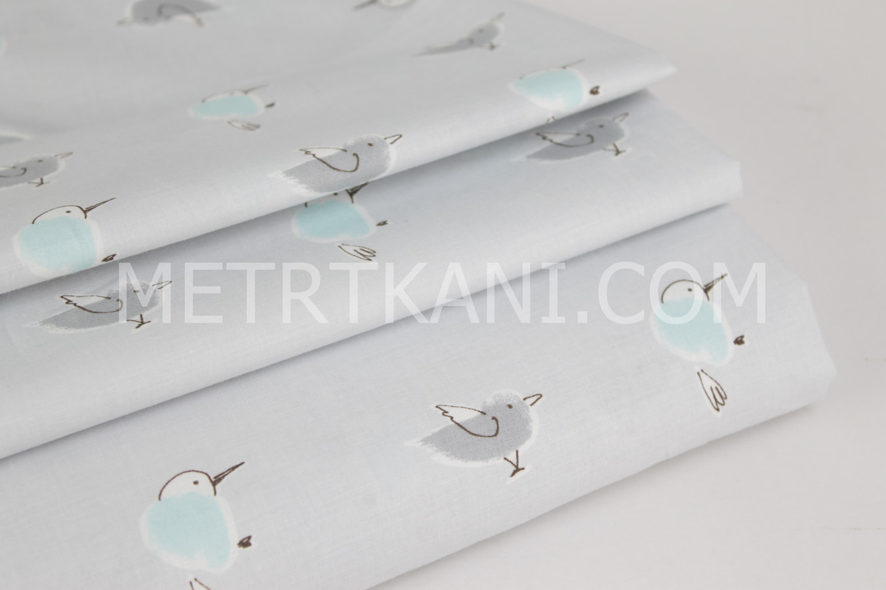 Хлопковая ткань премиум класса  с мятными и серыми птичками на сером фоне №6-347