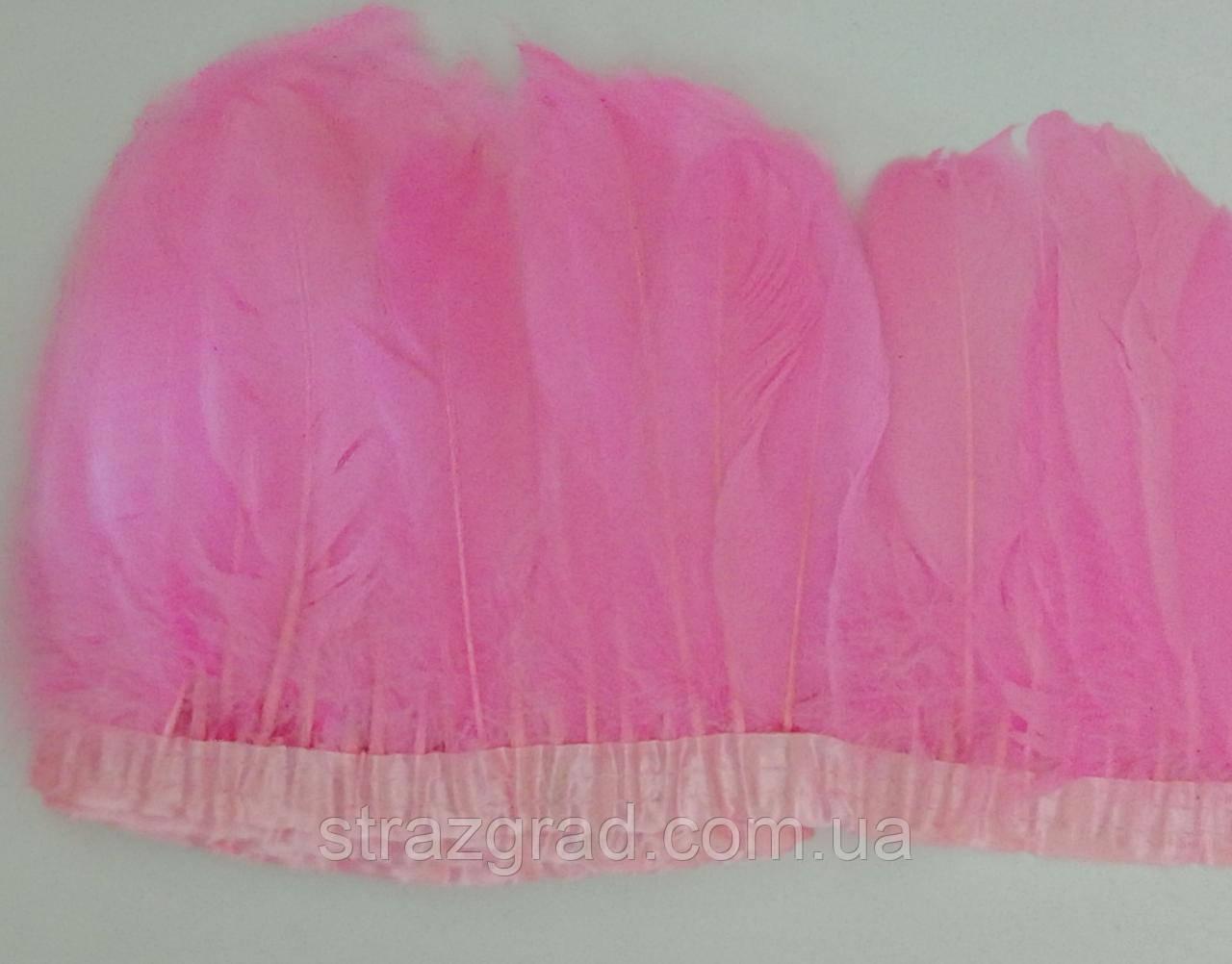 Перьевая тесьма из гусиных перьев Цвет Розовый Перо 16-20см Цена за 0,5м