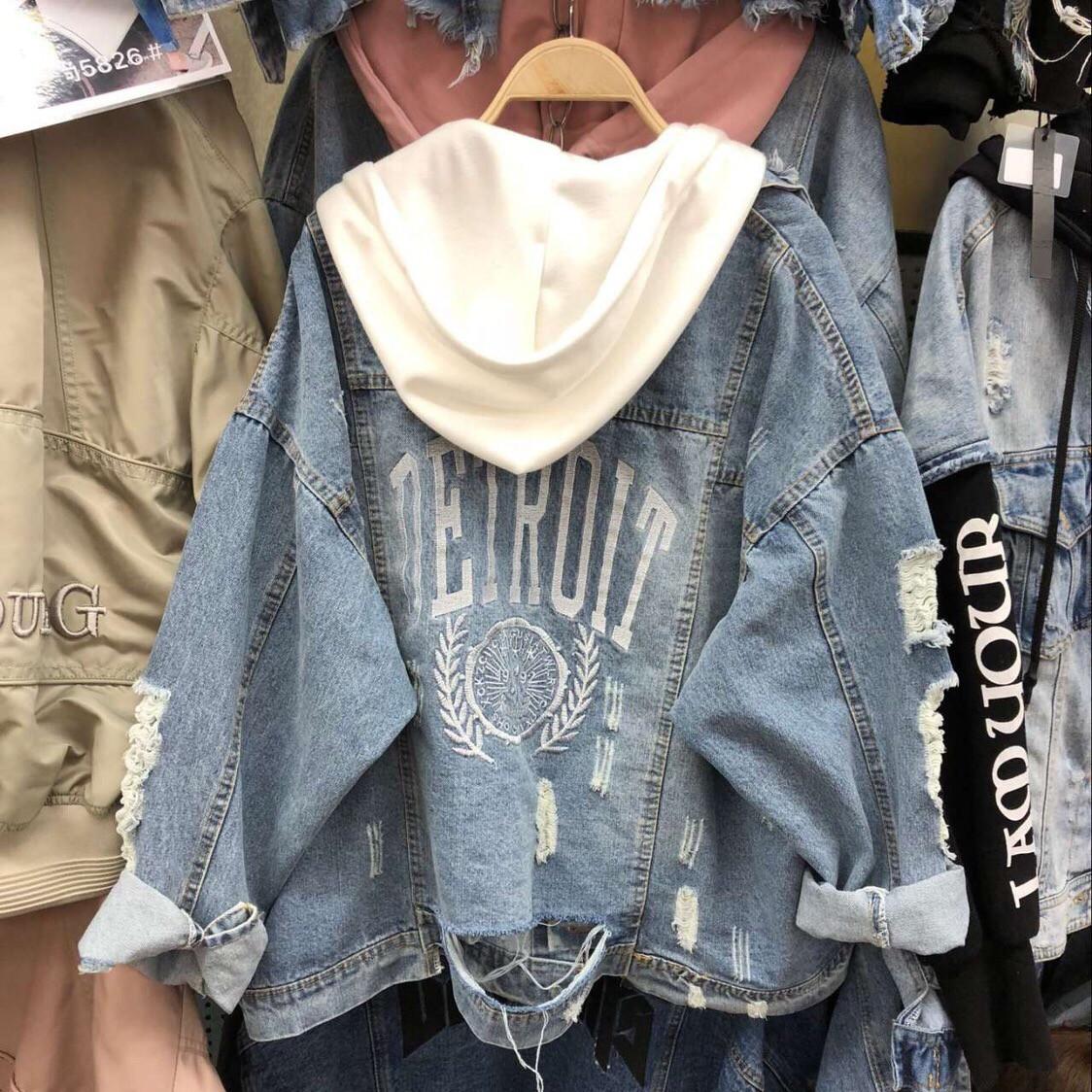 Женская джинсовая куртка с капюшоном и рисунком на спине 68kur124
