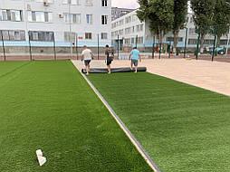 Укладка синтетической травы на школьном стадионе, г. Одесса 4