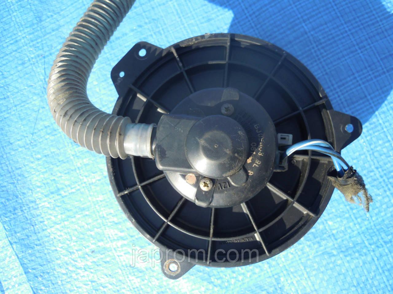 Моторчик печки мотор вентилятор печки отопителя Mazda 323 BJ 1997-2000 HB111 BJ0E