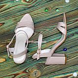 Жіночі босоніжки на високому стійкому каблуці, колір пудра., фото 4