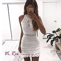 Платье белой из хлопкового кружева без рукава